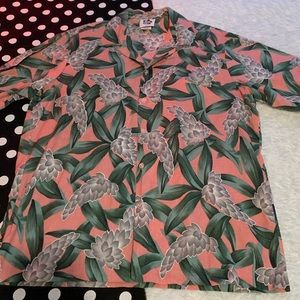 Hilo hattie vintage Hawaiian button down shirt